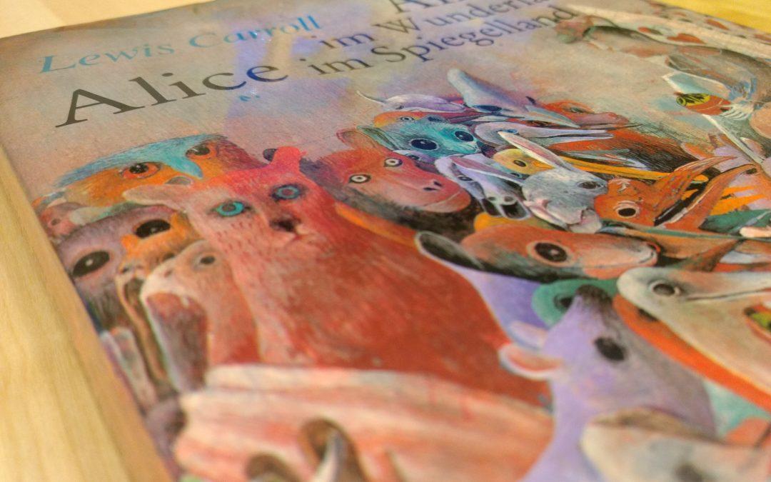 Lewis Carroll, Alice in WonderlandBücherregal
